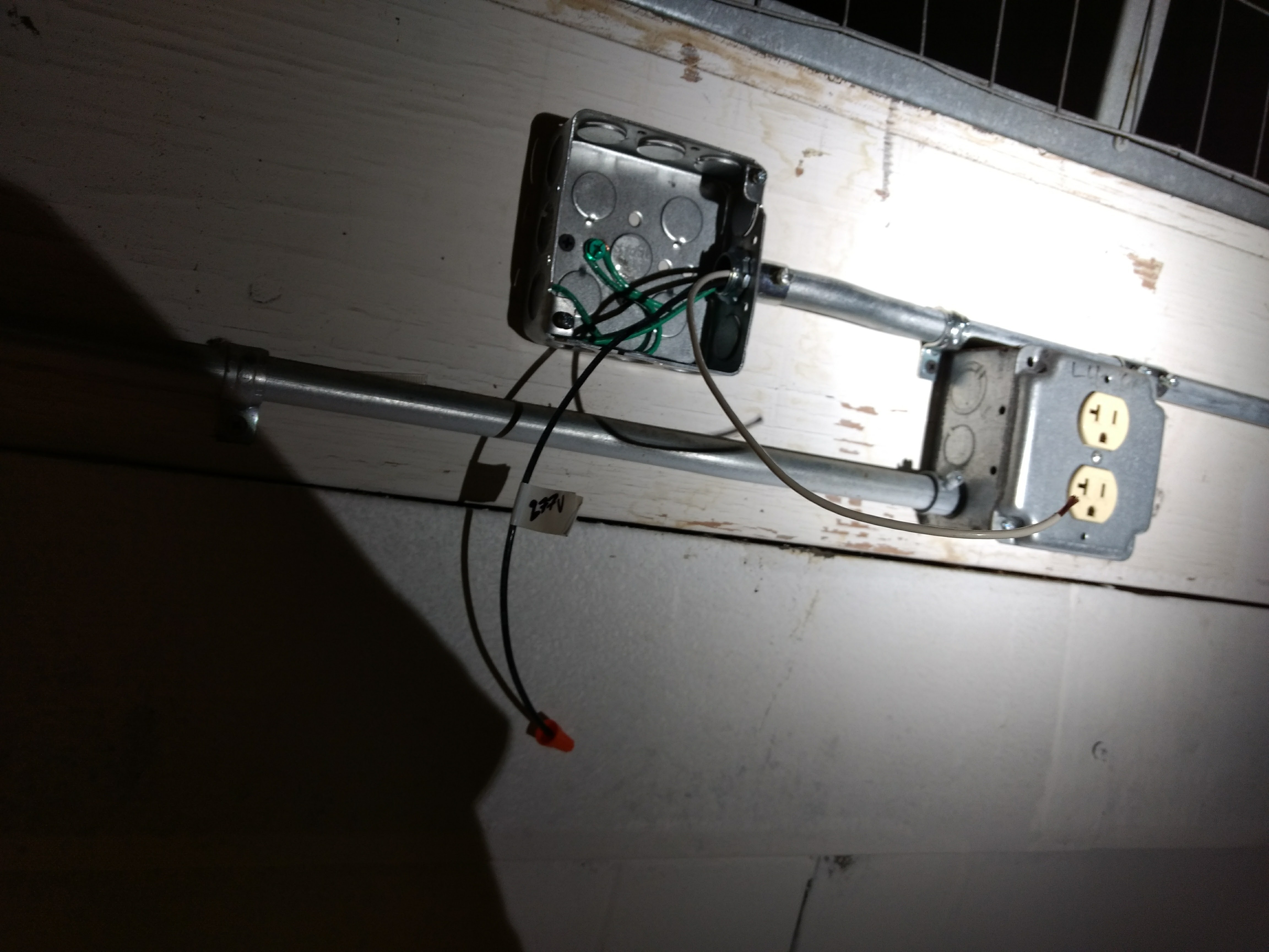 Commercial Who Conduit Wiring Flouresent Lights Outlets